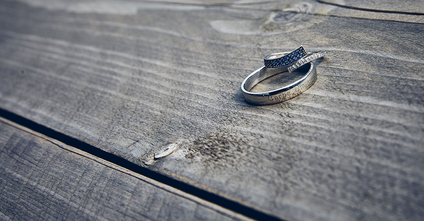 Close up ringen wedding photographer Peter Louies